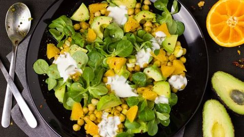 Avocado Chickpeas Salad: Delicious Salad for PCOS