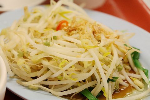 Raw Papaya Mango Salad- A Sweet and Sour Salad for PCOS
