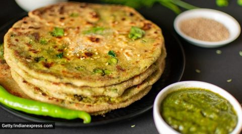 Green stuffed egg paratha